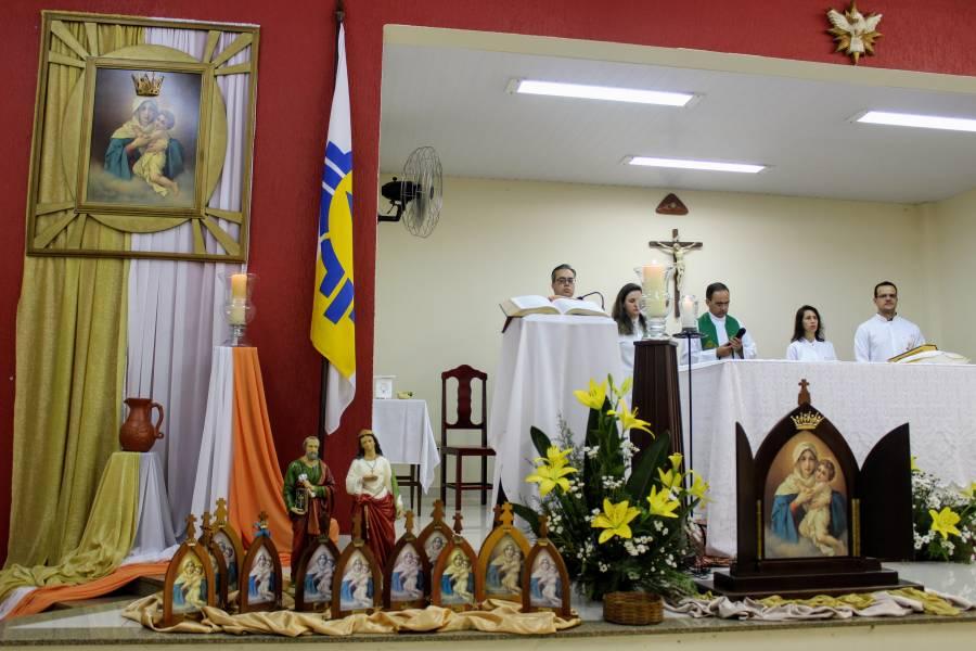 Peregrinos da paróquia São Pedro e Santa Luzia renovam sua Aliança de Amor